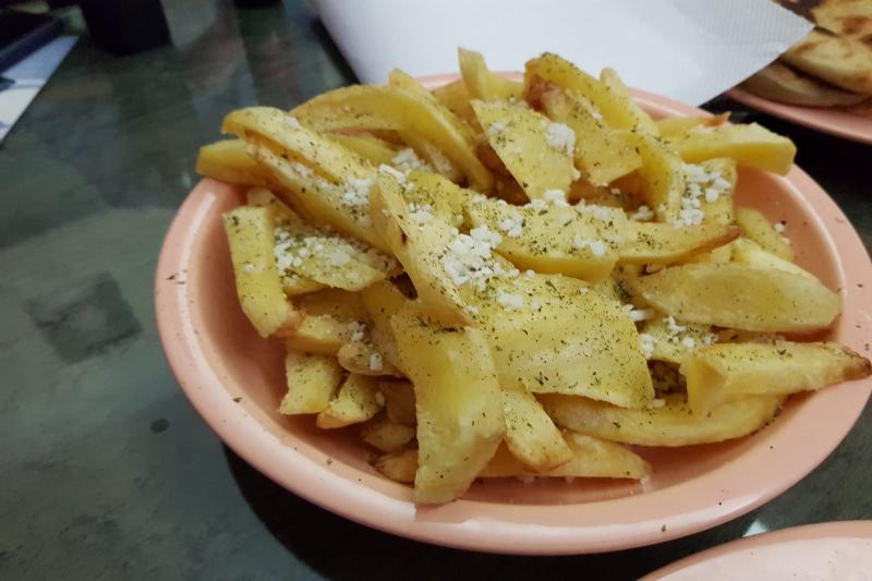 patatas me feta taberna griega